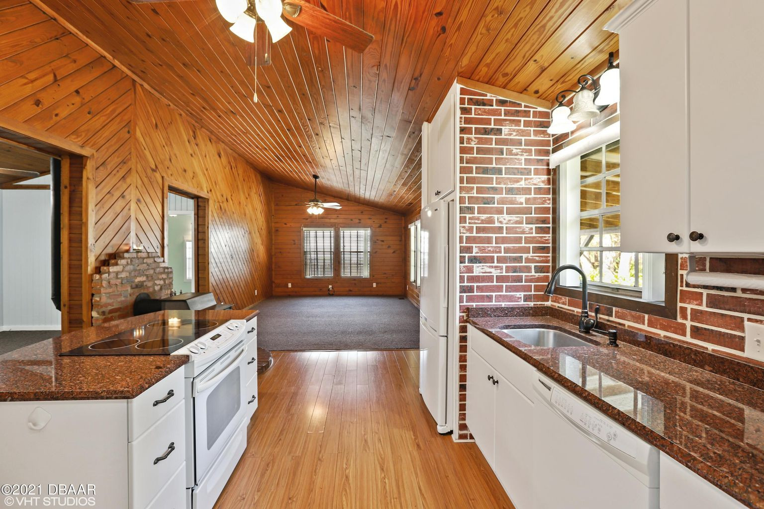 1917 Dimmers Road Kitchen